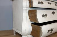 Bombé White Painted Chest of Drawers (7 of 9)