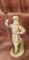 Rare Royal Worcester Porcelain Figure – Beefeater 'Shape No: 1362', by James Hadley Dated 1892 (2 of 6)