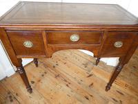 Neat 19th Century Kneehole Desk (10 of 11)