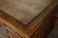 Antique Victorian 5ft Mahogany Pedestal Desk (6 of 7)