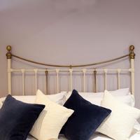 Decorative Victorian Antique Bed in Cream (5 of 6)