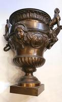 Rare Pair of 19th Century Bronze Planters / Urns (6 of 7)