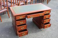 1920s Mahogany Pedestal Desk with Green Leather on Top (2 of 5)