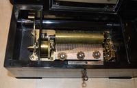 Smaller 6 Air Victorian Musical Box (2 of 5)