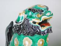 Superb Pair of 19th Century Chinese Porcelain Dogs of Fo Temple Guardians (7 of 12)