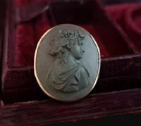 Antique Lava cameo brooch, 9ct gold