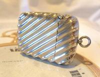 Antique Vesta Case 1890s Victorian The Beacon Chunky Silver Chrome Case (2 of 10)