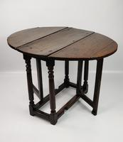 A Small 17th Century Gateleg Table. (2 of 14)