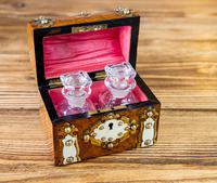 Burr Walnut Perfume Box 1870 (10 of 13)
