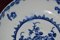 c18th Century Caughley 'Fruit and Wreath' Pattern Porcelain Saucer (3 of 5)