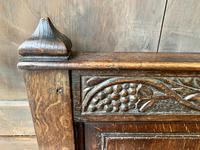Late 18th Century Box Seated Oak Settle (5 of 19)