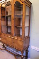 Quality Antique Walnut Display Cabinet (13 of 19)