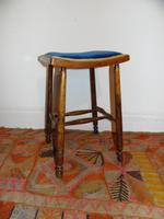 Arts and crafts stool (4 of 5)