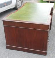 1960s Large Mahogany Partners Desk with Green Leather on Top (6 of 6)
