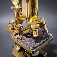 Brass Microscope by R & J Beck Ltd (4 of 7)