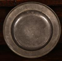 Set of 4 Pewter Plates with Engraved Decoration (7 of 7)