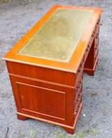 1960s Mahogany One Piece Desk with Green Leather (3 of 4)