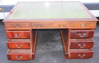 1960's Mahogany Pedestal Partners Desk with Green Leather Top. (5 of 6)