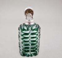 Fabulous Victorian silver & Bristol emerald green overlay bohemian glass scent bottle c.1800 (2 of 7)
