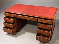 Attractive Early 19th Century Mahogany Pedestal Desk (3 of 4)