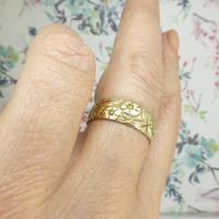 Vintage 9ct Solid Gold Engraved Wedding Band Dated London 1969~ Etched Ring (6 of 11)