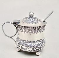 Small Victorian Silver Mustard Pot by William Devenport, Birmingham 1895 (2 of 8)