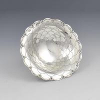 Stylish Silver Fish-scale Pattern Bonbon / Trinket Dish (3 of 6)