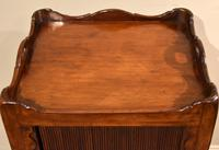 Matched Pair of Mahogany Bedside Cabinets / Tables (5 of 9)
