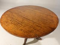 Good George III Period Oak Tilt Table of Substantial Size (3 of 6)