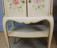 Pretty Pair of French Painted Bedside Cabinets (3 of 7)