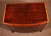 Fine Bowfront Chest of Drawers in Mahogany c.1800 (9 of 10)