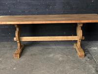 Trestle End Oak Farmhouse Dining Table (13 of 18)