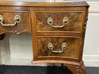 Pretty Quality Burr Walnut Dressing Table (9 of 17)