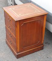 1960s Mahogany Small Filing Cabinet with Tan Leather Top (3 of 5)