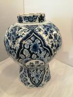 Superb 18th Century Dutch Delft Vase (2 of 10)