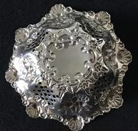 Silver Reticulated, Repousse Decorated  Bon Bon  Dish  Birmingham 1907 (3 of 5)