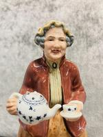 Tea Time Figurine (8 of 9)