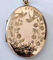 Superb Victorian Oval 9ct Back and Front Locket (3 of 7)