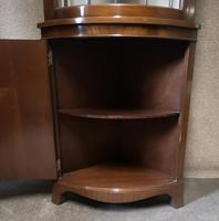 Mahogany Bow Front Corner Cabinet In The Georgian Style (5 of 9)