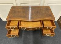 Pretty Quality Burr Walnut Dressing Table (14 of 17)