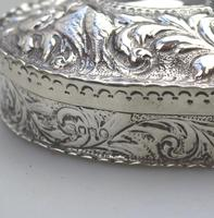 William Comyns - Good Solid Silver Novelty Heart Box c.1895 (11 of 11)