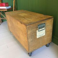VINTAGE Industrial CHEST Coffee Table Mid Century Old Wooden TRUNK Retro Storage Box + Castors (5 of 12)