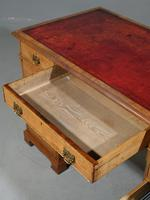 Late Victorian Oak Kneehole Desk (4 of 6)