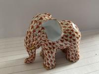 Herend Porcelain Elephent Figurine in Rust Fishnet Design with 24ct Gold Detail (5 of 7)