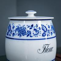 2 Flow Blue Jars (3 of 20)