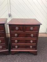 Pair of Small Mahogany Bedside Chest Drawers (3 of 11)