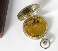 Small Silver Waltham Royal Hunter Pocket Watch (6 of 6)