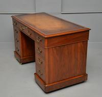 Victorian Mahogany Pedestal Desk (7 of 12)