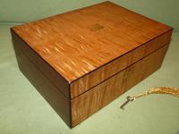 Satinwood & Mahogany Jewellery Box. Plush Interior. c1860. (9 of 11)