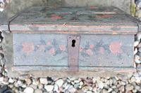 Scandinavian / Swedish 'Folk Art' Bridal / dowry chest, rosmålning heart & love bird decoration c.1780 (34 of 39)